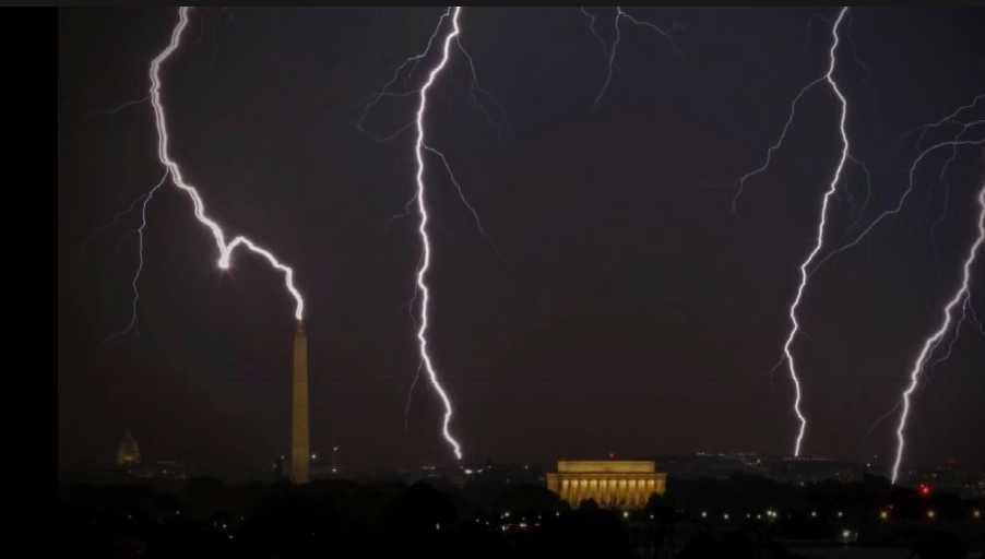 Lightning Hits Washington Mall Monuments